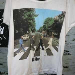 Other - THE BEATLES girls graphic tee